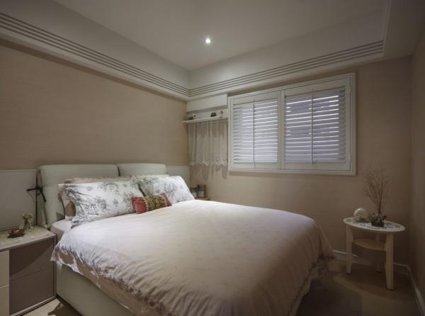 2015简约家居卧室装修效果图