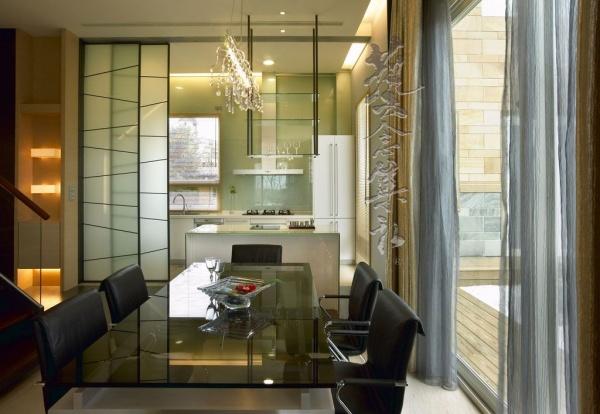 美式木制别墅室内餐厅设计效果图