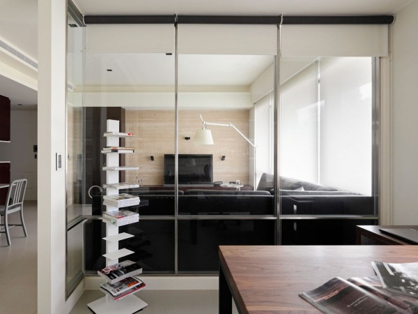 60平米简约公寓室内玻璃隔断装修效果图片
