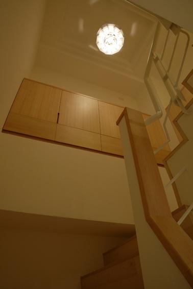 宜家装修风格楼梯间吊顶图片