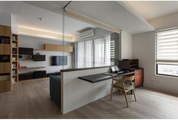现代装修客厅玻璃隔断墙效果图