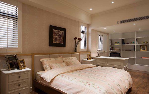 美式风格简约卧室设计效果图片