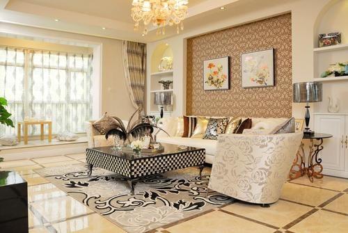 客厅沙发背景墙壁纸加石膏造型的搭配,简单时尚,地面拼砖