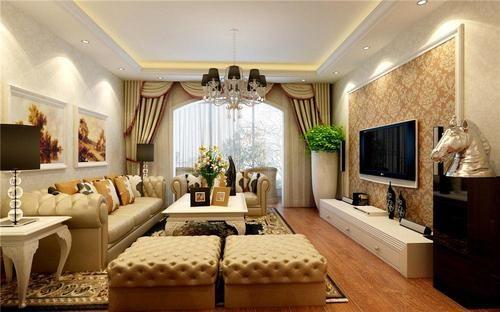 客厅顶面为石膏板造型吊顶,墙面铺贴壁纸很温馨,整体风格非常简洁大气
