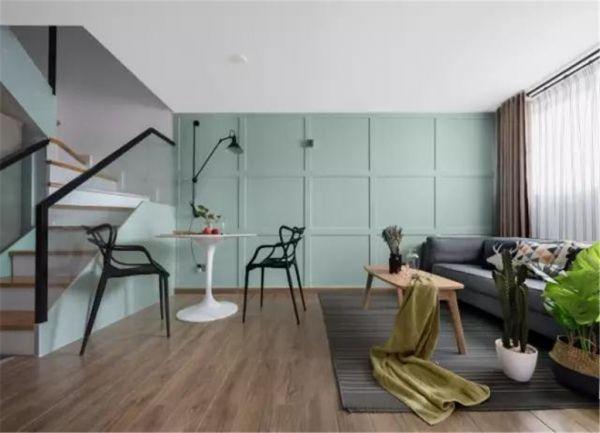42平的长条形小户型复式楼,薄荷绿的背景墙好