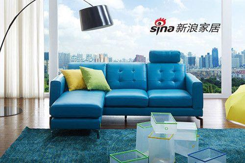 不看绝对后悔   顾家米檬快乐米窝皮质沙发宝蓝色的设计,给人一种徜徉