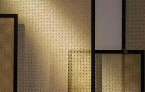 整体几何结构中,背景与家具形成互文