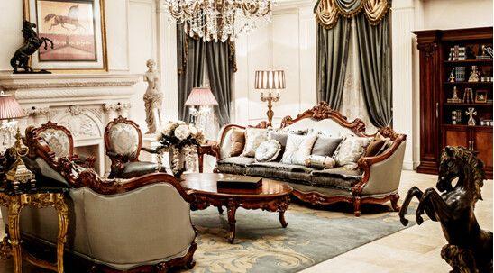 白太太也被大风范欧式家具的大气高贵吸引