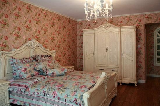 主卧室衣柜装修效果图