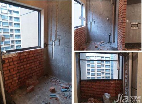 折腾人的水电装修日记   下午再去时刘师傅在砌南面小房间的墙了,进