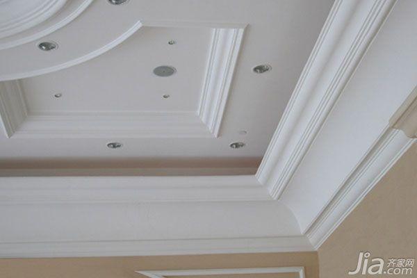 如果整体家居是欧式风格的话,厨房吊顶装修使用石膏吊顶是再适合不过