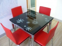 折叠的餐桌好吗 怎样选择折叠餐桌